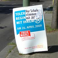»Nur Schafe stimmen mit JA!« auf einem »Pro Reli«-Plakat im April 2009